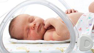 ختنه نوزاد پسر