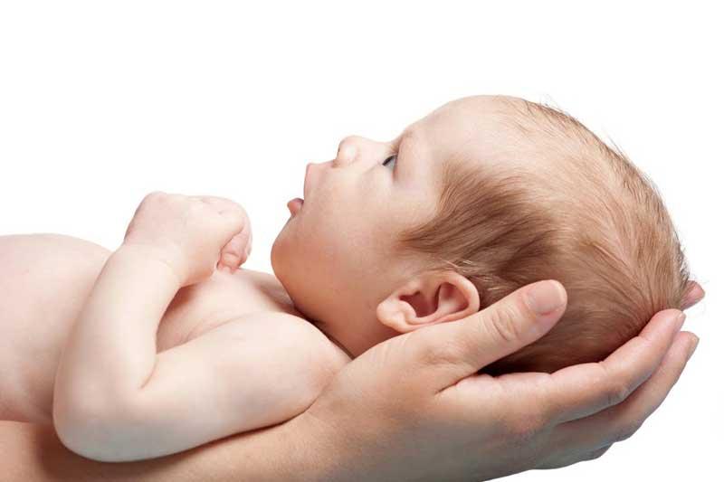 ختنه نوزاد توسط اورولوژیست