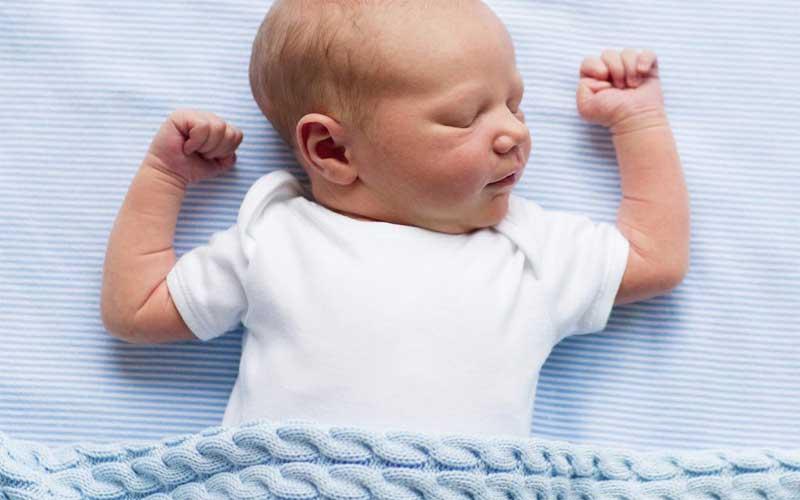 اشتباهاتی که در ختنه نوزاد رخ می دهد