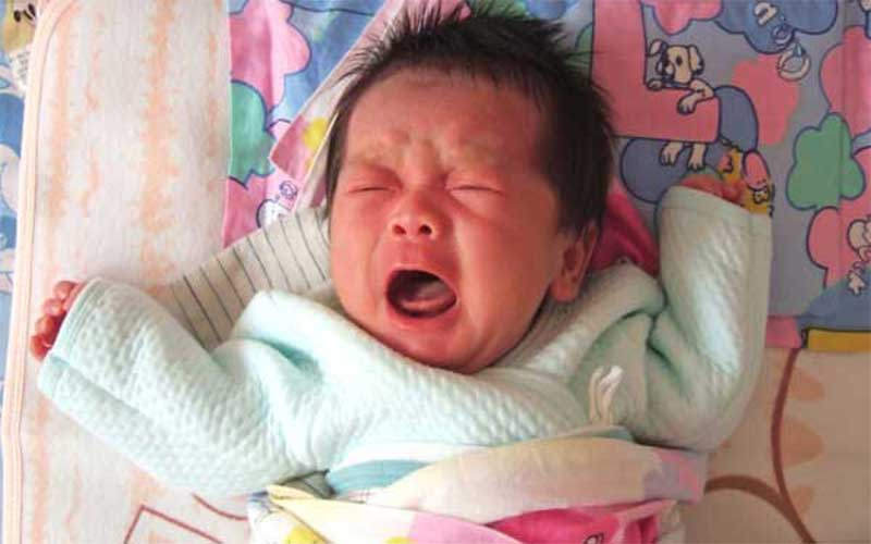 موافقان و مخالفان ختنه نوزادان